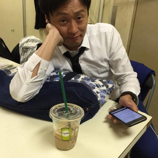 芸人 男 川西 スーツ 和牛